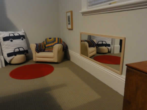 Awesome Miroir Chambre Bebe Montessori Ideas - Awesome Interior ...